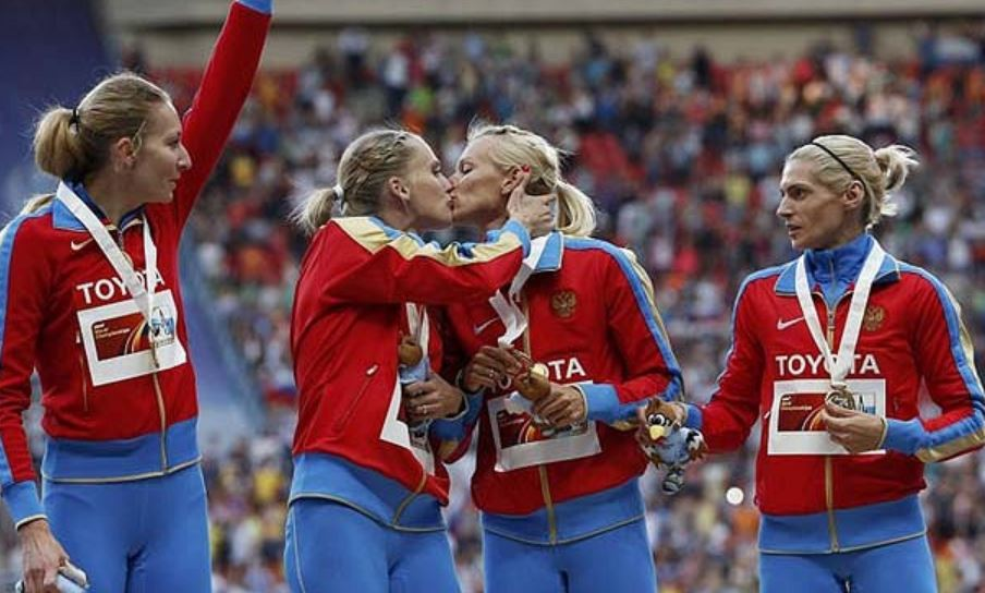 russia sport gay kiss